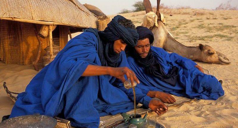 TÚ TIENES EL RELOJ, YO TENGO EL TIEMPO (Entrevista a un tuareg)
